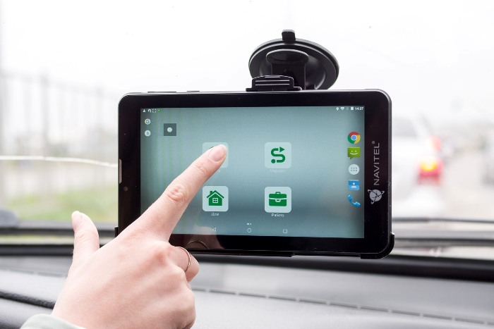Управление автомобильным планшетом