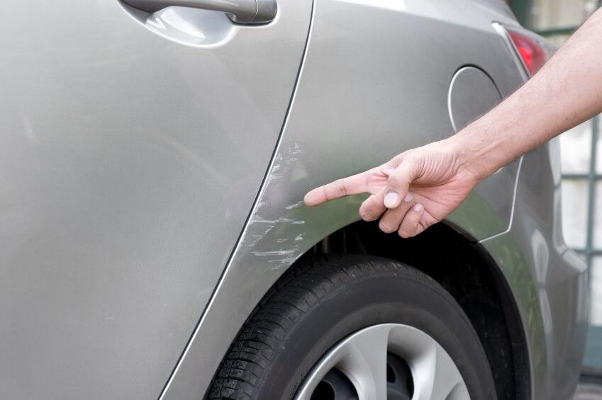 Удаление царапин на кузове автомобиля без покраски своими