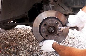 Демонтаж тормозного диска