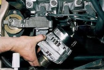 Снятие генератора ВАЗ 2110