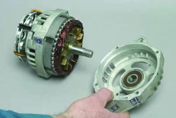 Снимаем переднюю крышку генератора Ваз 2110